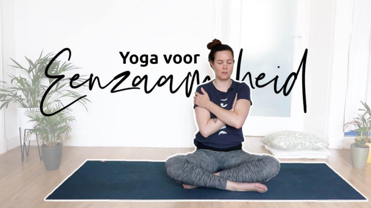 Geef jezelf even wat aandacht met deze yoga voor eenzaamheid
